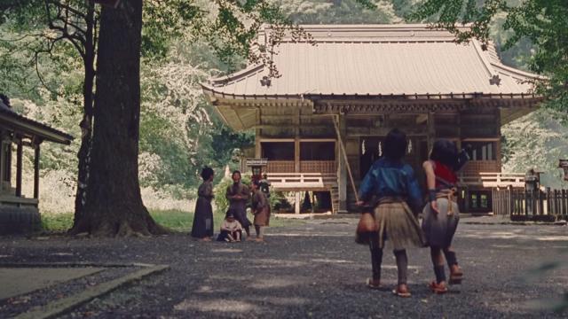 auのCMに映る二岡神社