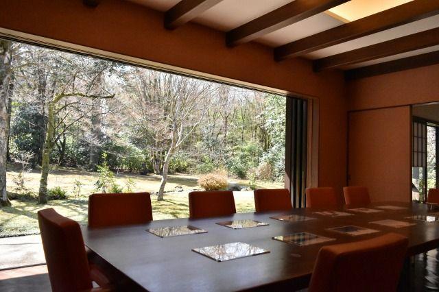 東山旧岸邸の食堂