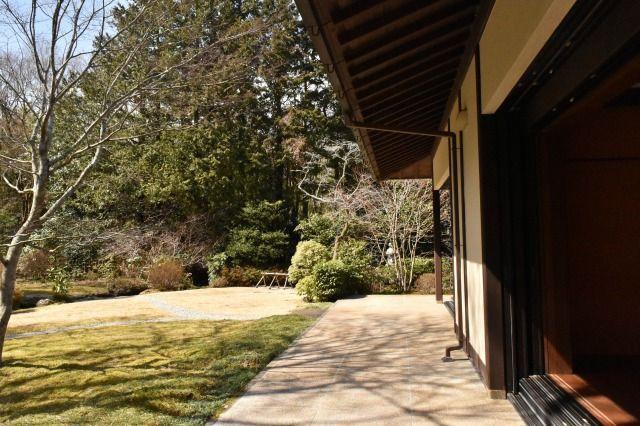 東山旧岸邸の庭園