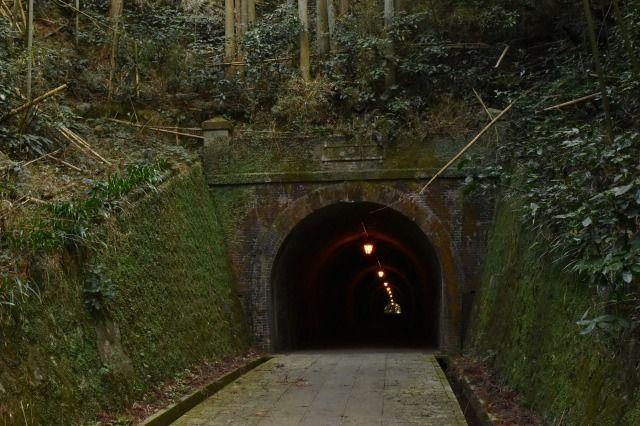 明治トンネルの入り口