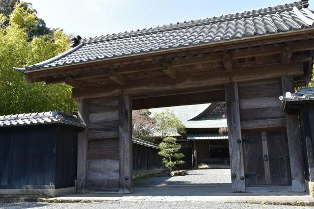江川邸の表門