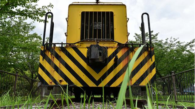 三保駅跡のディーゼル機関車