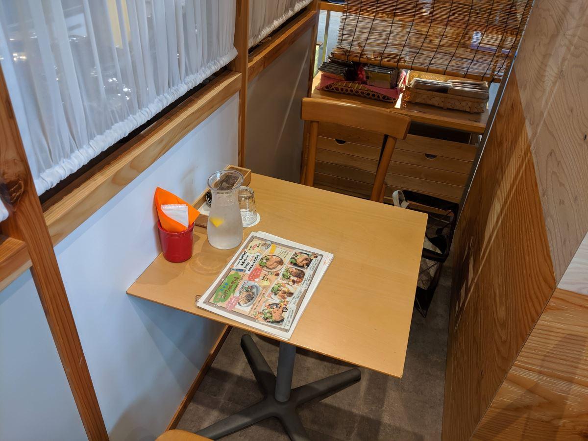 長崎トルコライス食堂のぼっち席