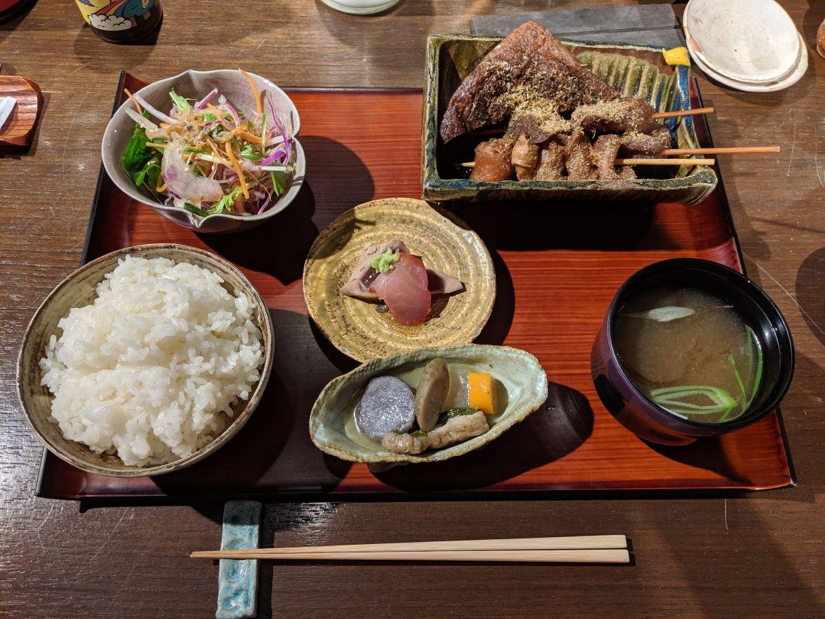 駿河屋賀兵衛の静岡おでん&海鮮小鉢定食