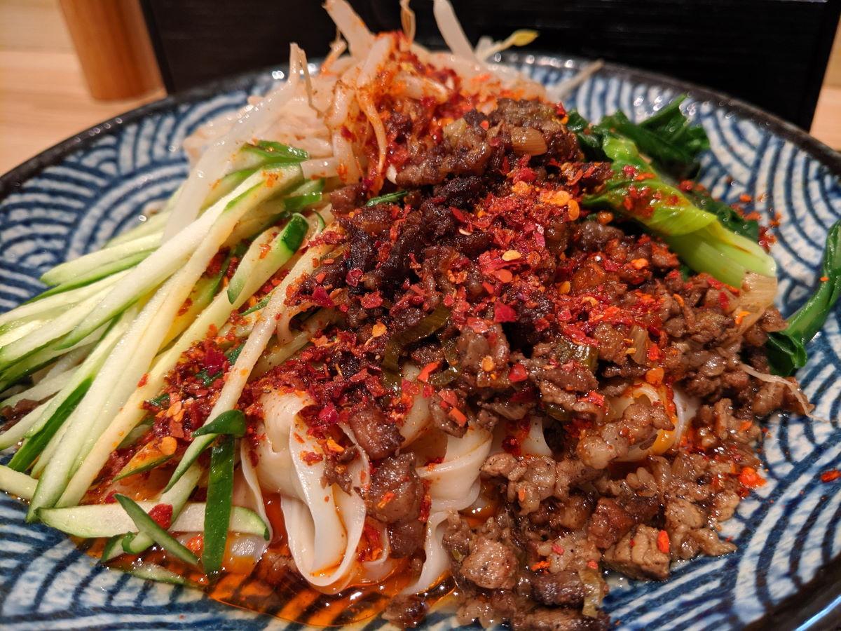 「思泊湖」のビャンビャン麺