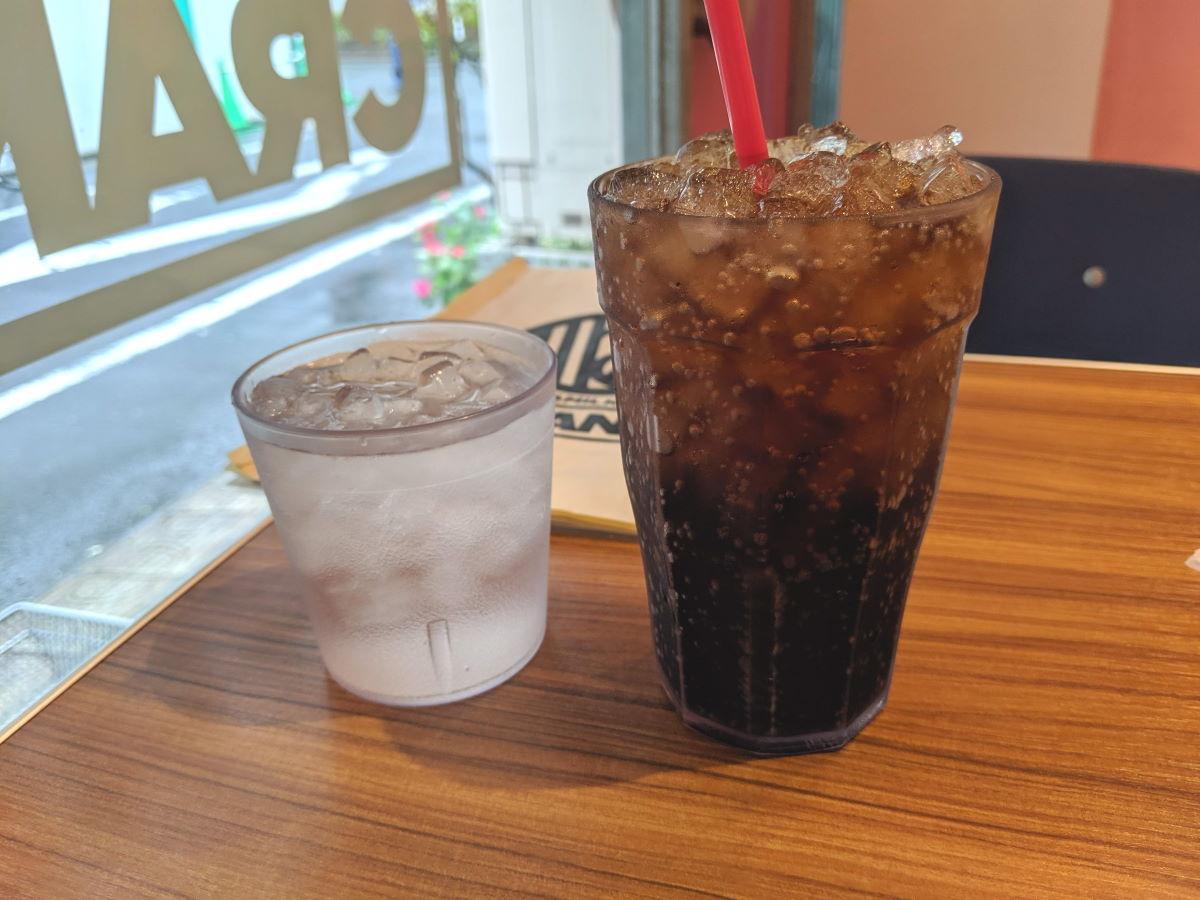 「BURGER&MILKSHAKE CRANE」のコカコーラ