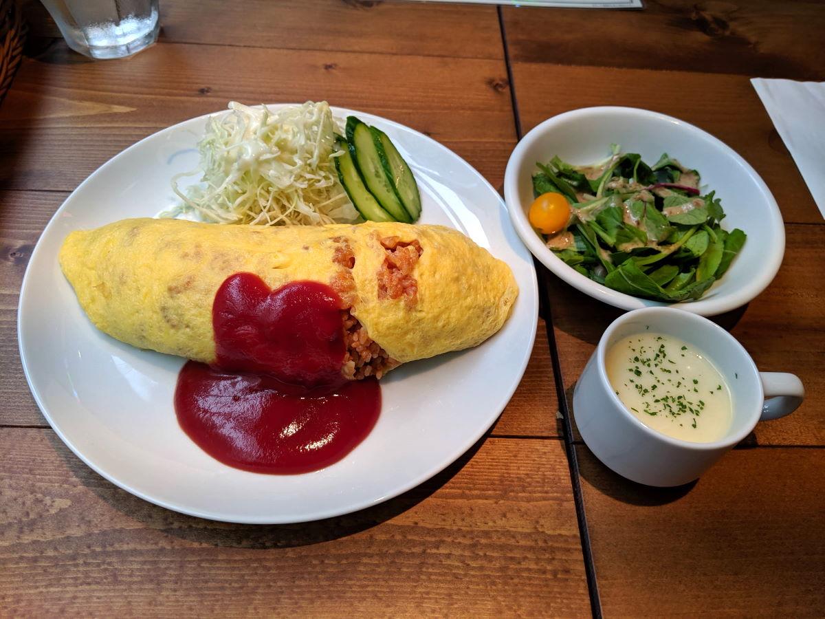 「Japan Kitchen AKIBA」の希少!北海道太田ファームの高橋さんの生みたて卵のオムライス