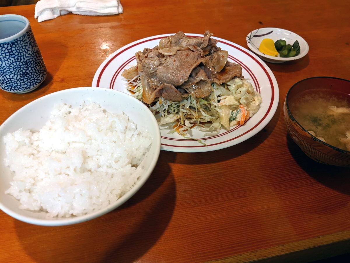 「えび一」の生姜焼き定食