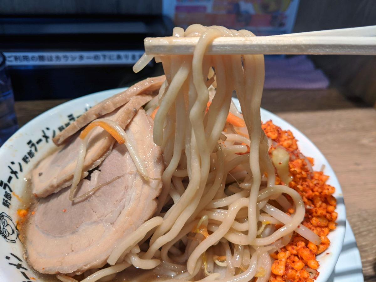 「野郎ラーメン」の麺