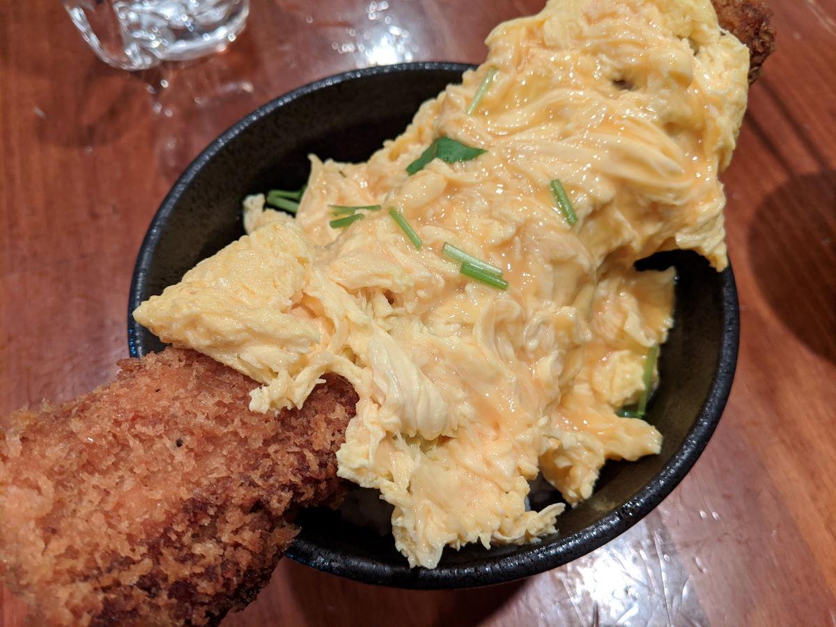 「さま田」の角煮カツ丼