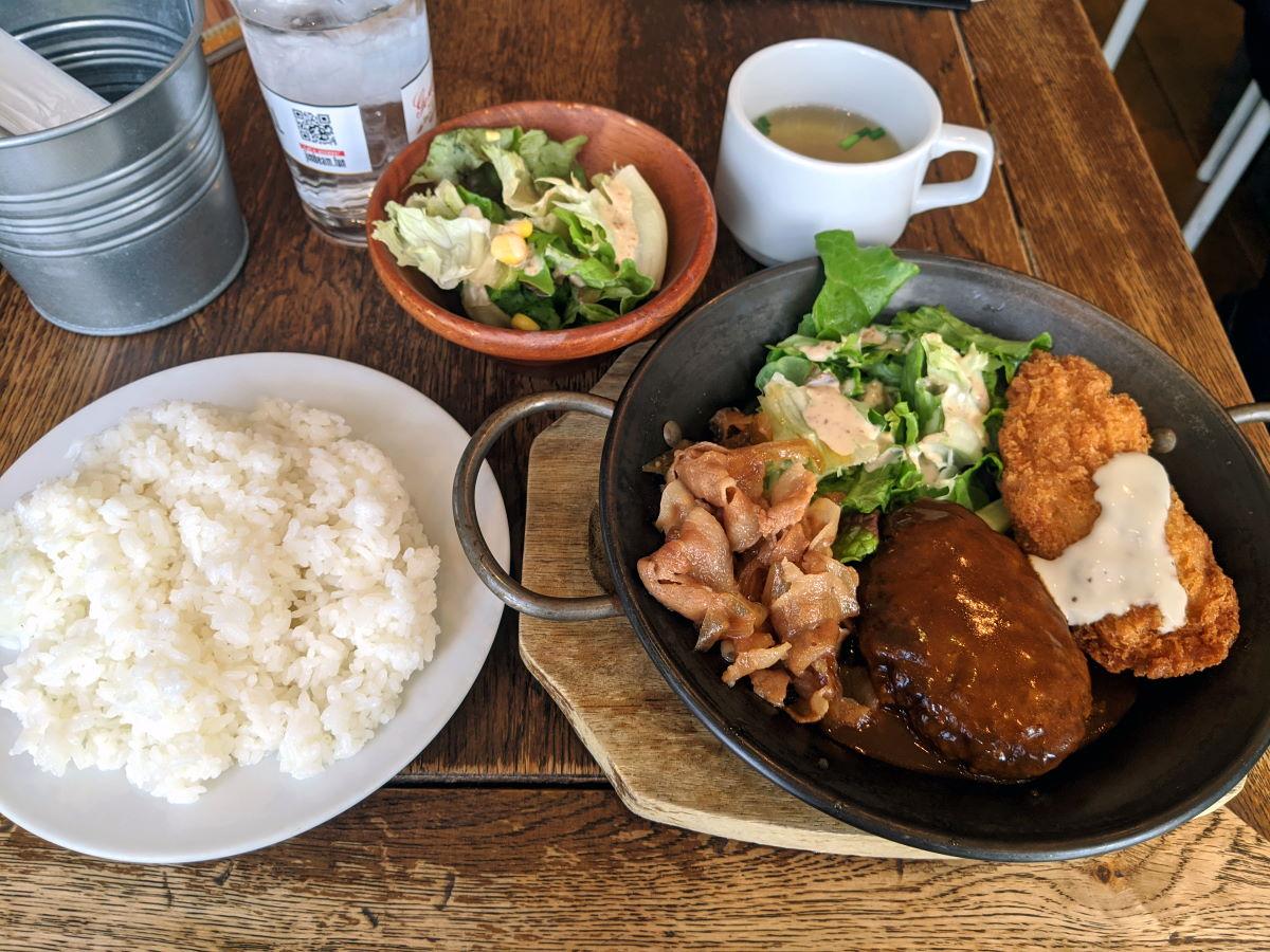 「バルakiba」の洋食ランチ
