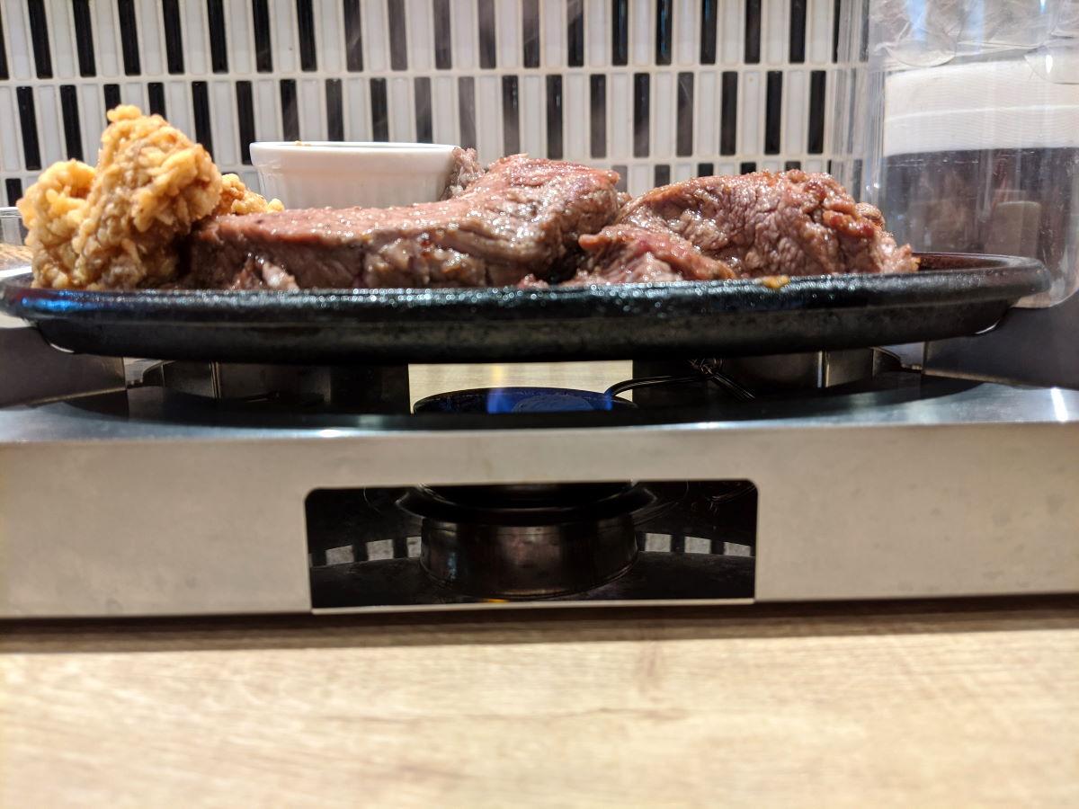 「ステーキマックス」のがっつりステーキ300g