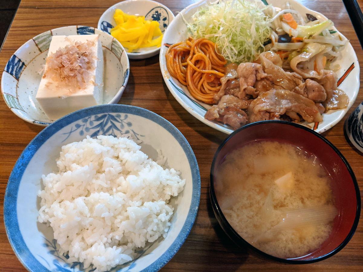 「スナック和」の焼肉定食