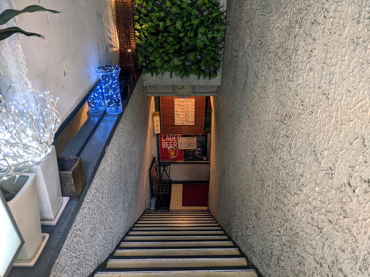 「インアウト」の階段