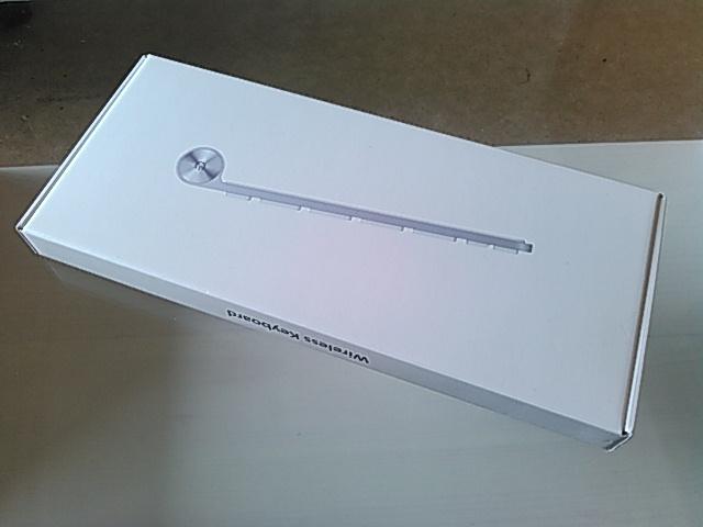 Macのワイヤレスキーボードの箱画像