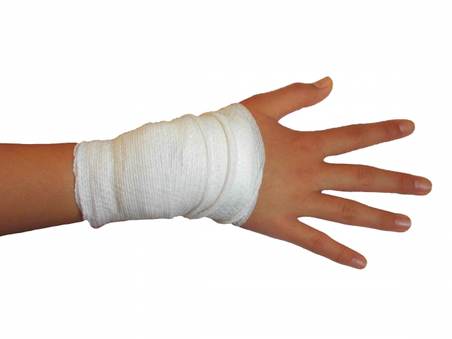 痛めてしまい治療した手首