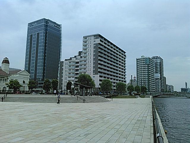 新潟市の万代シティの景観