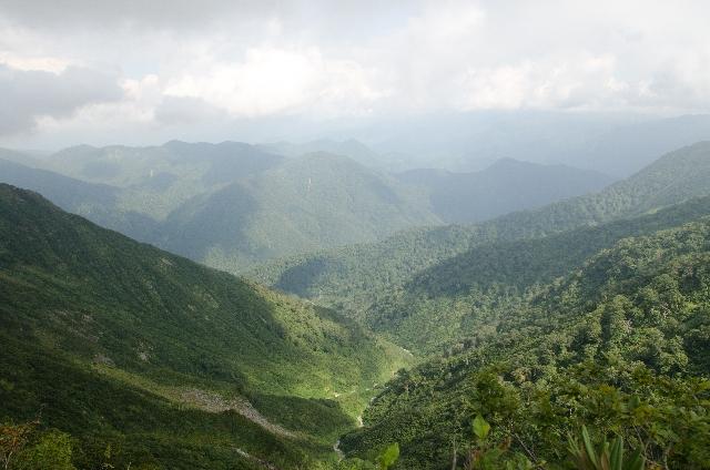 日航機が墜落した山の画像