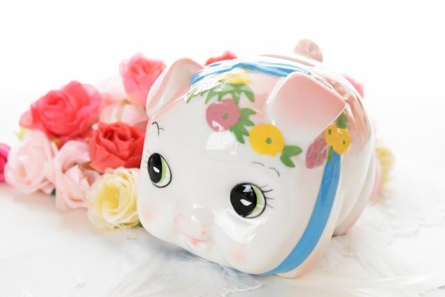 お金につきものの豚の貯金箱