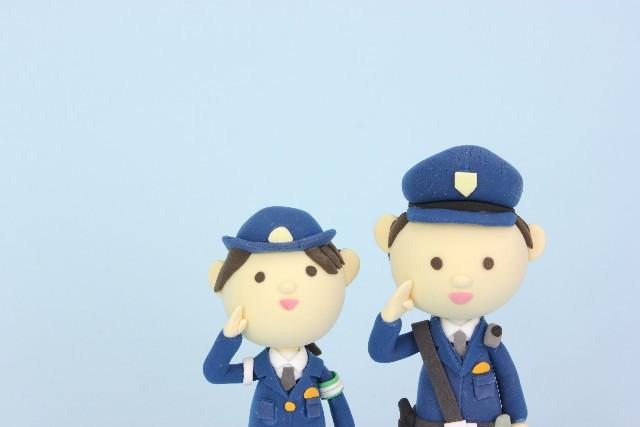 2人の警官を表す画像