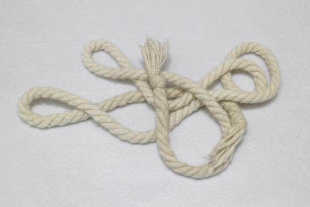 タライをつるすために使われるロープ