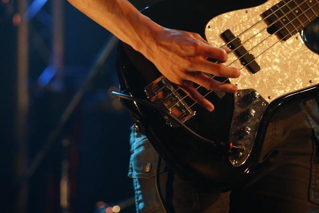 ケンヂが鳴らすギター