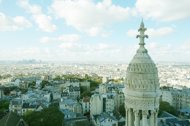 パリで暗躍するアナーキスト