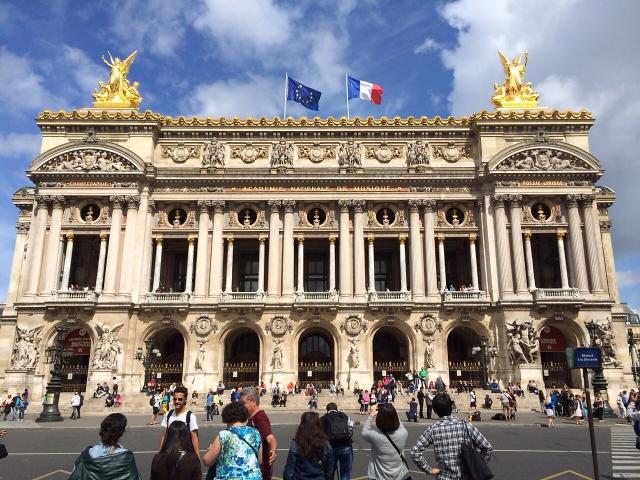 パリのオペラ会場