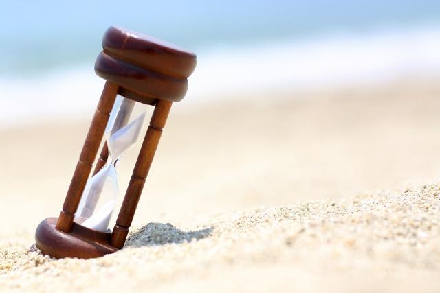 時間が止まった事を連想させる砂時計