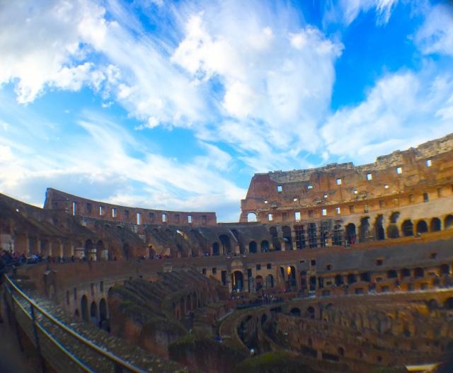コロッセオで始まるストーリー