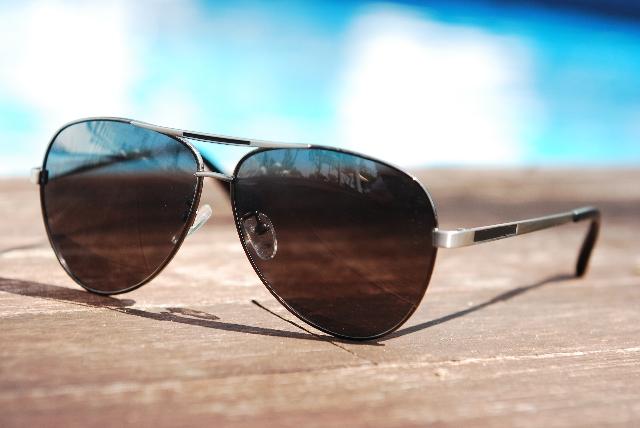スパイが使用していたサングラス