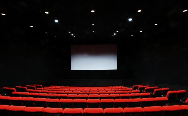 映画館で上映する日時