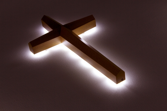 悪魔祓いに使う十字架
