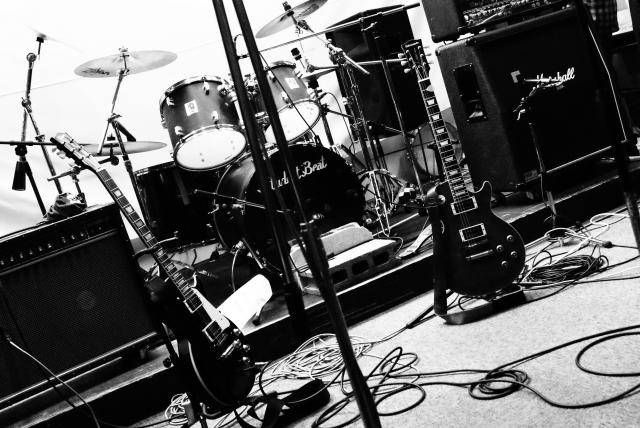 バンドの楽器