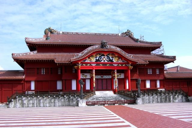 沖縄の首里城の豪華さ