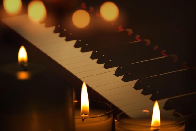 コンクールに向けてピアノでレッスン