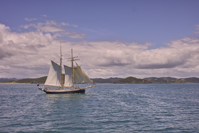 海賊たちが航海するシーン