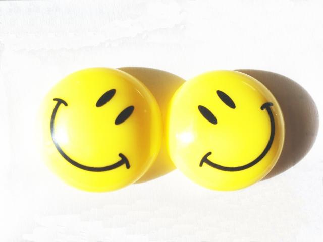 似たような笑顔マーク