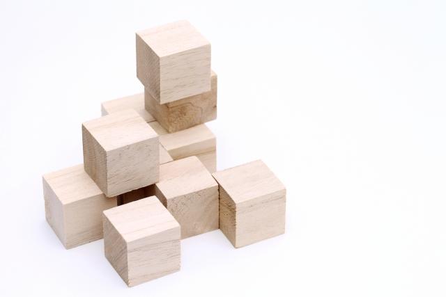 積み木が行われる画像