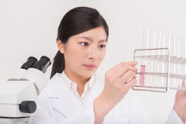 科学者の実験
