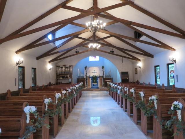 教会に勤める人々