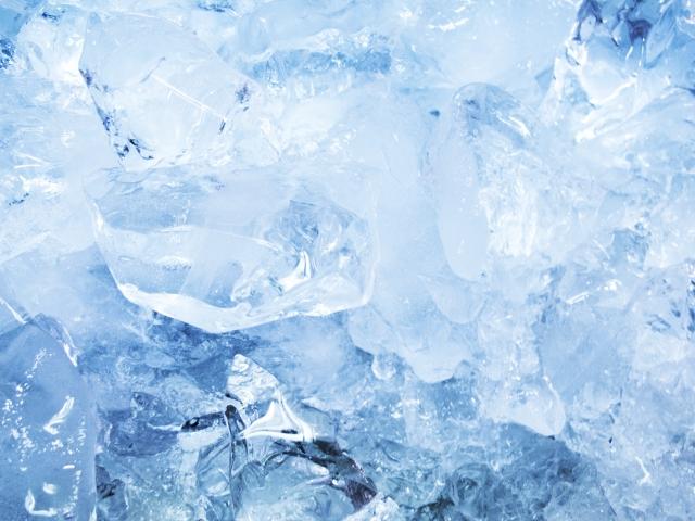 氷のような雪