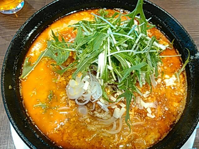 エビチリチーズの担々麺の全体的な画像