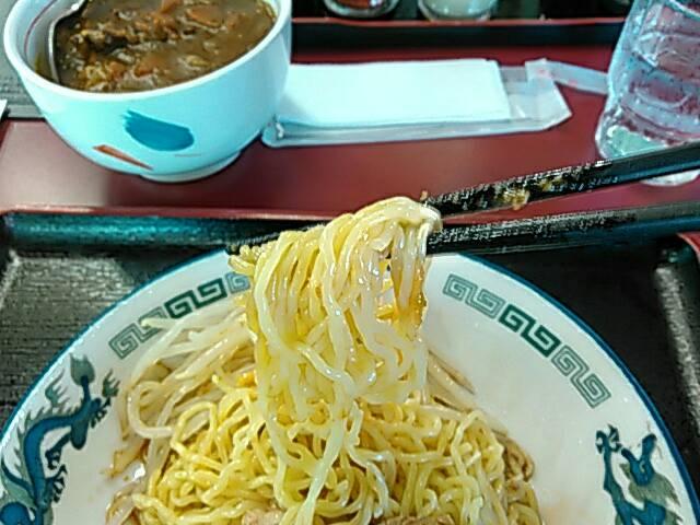 満里_棒々鶏めん_麺画像