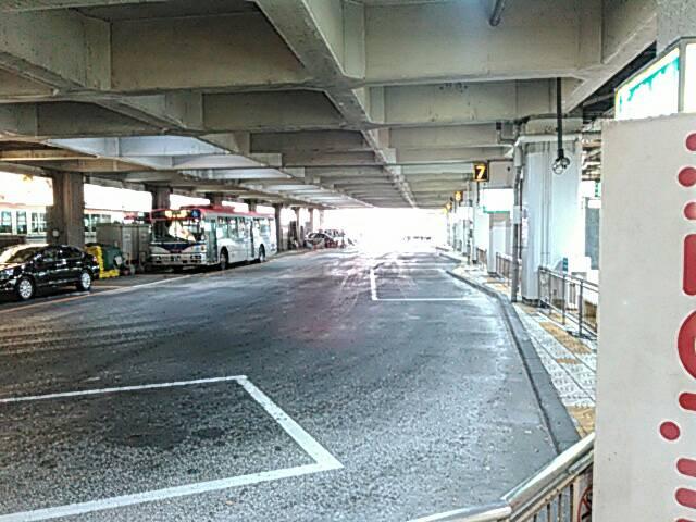 バスセンターの中の画像