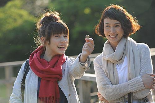 仲里依紗と安田成美が共演