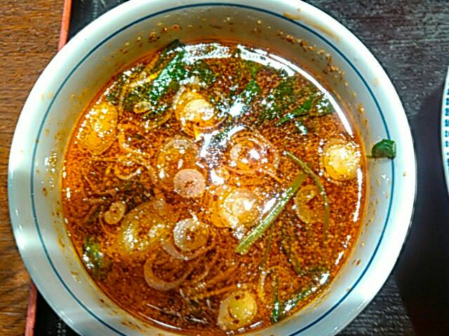 旨辛つけ麺のスープの全体画像