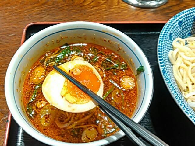 旨辛つけ麺の味玉画像