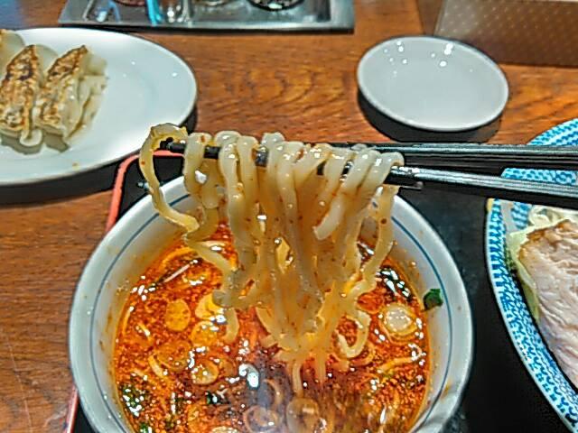 旨辛つけ麺の麺のアップ画像
