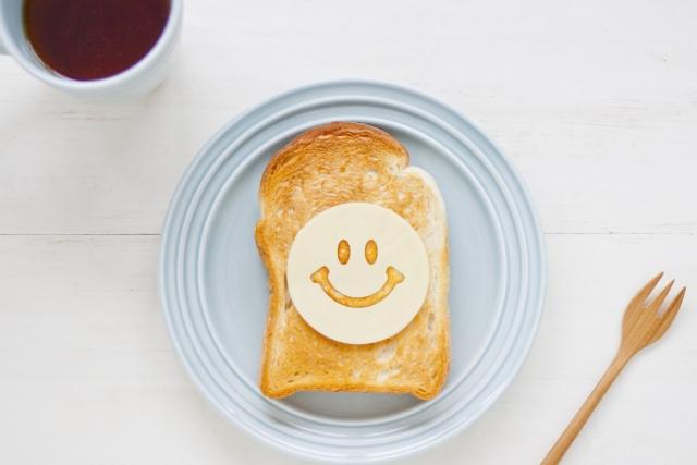 笑いを呼ぶトースト